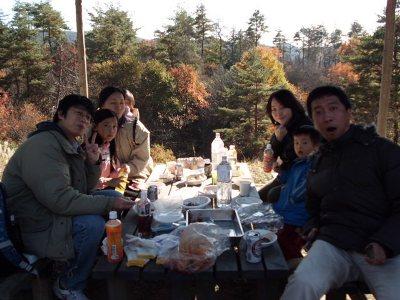 家族ぐるみで囲む食卓